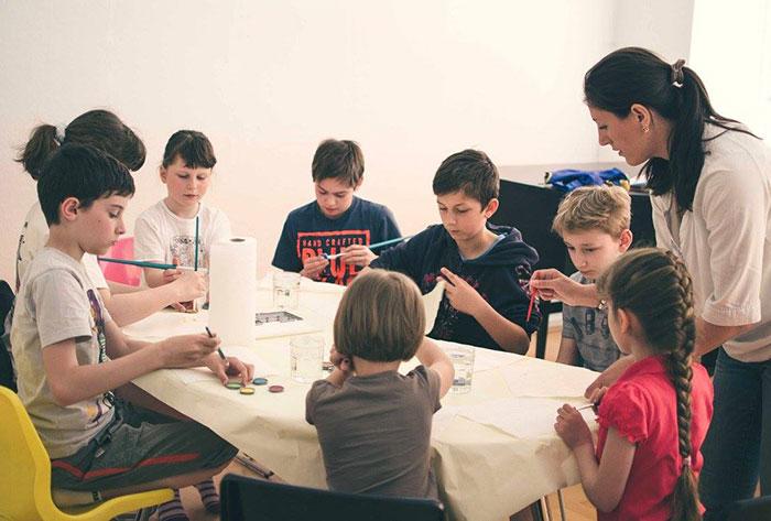 Арт-психологическая мастерская Акварель Жизни: дети рисуют