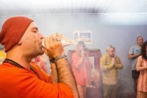 Йоги-Адьянатх-Махарадж-йога-в-берлине